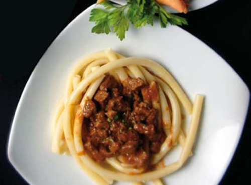 Šporki makaruli (meat and macaroni)