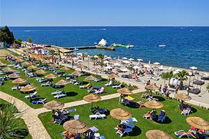 Valamar pinia hotel parenzo croazia hotel per famiglie for Camere a porec