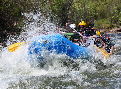 Rafting in canoa