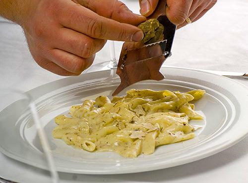Fuži with truffles