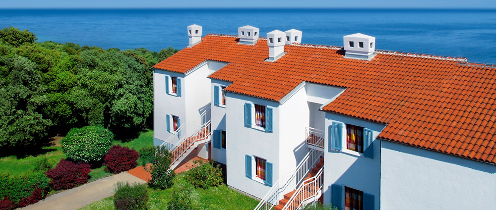 Attractive Seaside Apartment Holidays